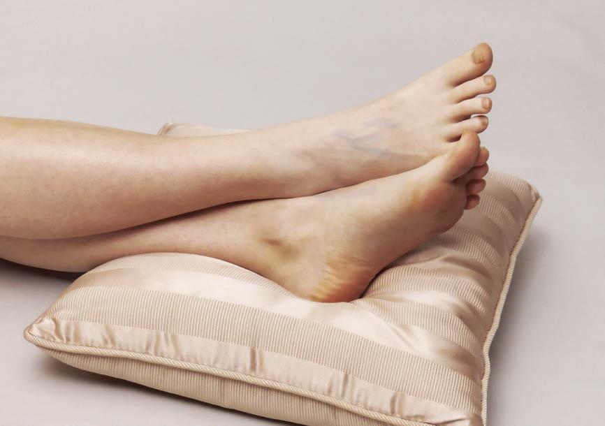 Чем обезболить вены на ногах