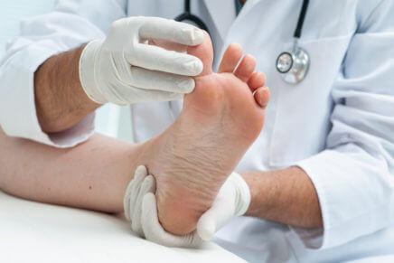 Как лечить грибок ногтей на ногах, отзывы, лекарства, народные средства